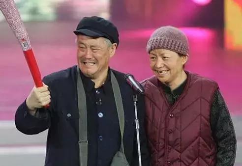 2008年赵本山,宋丹丹春晚小品《火炬手》