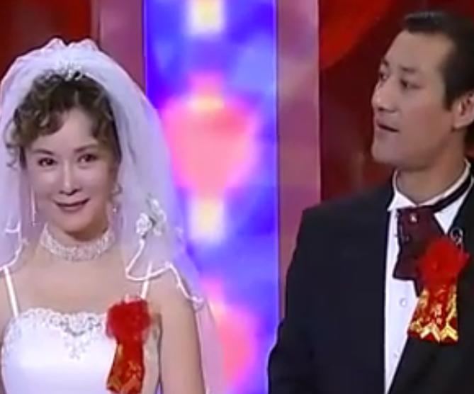 小品《婚礼》李咏 蔡明 英壮