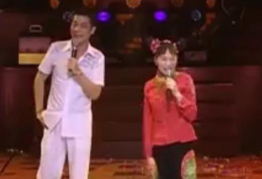 重庆时代歌剧院:小龙女搞笑全场