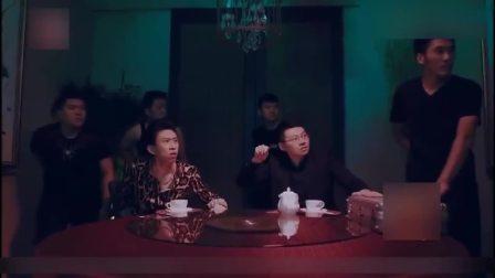 小品《打岔的服务员》张海宇蒋易演绎黑帮交易 爆笑全场
