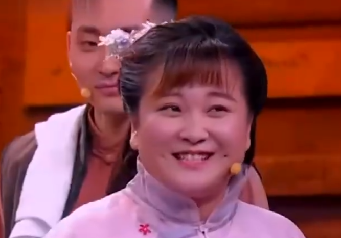 贾玲2019春晚小品《要账记》全是笑点,超级搞笑
